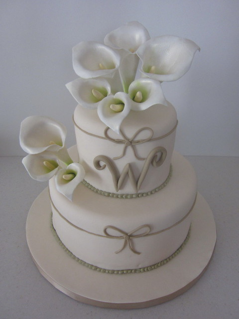 Calla Lily Wedding Cake so pretty The wedding was today and in North