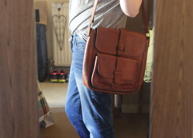 Giveaway - win a mero retro satchel