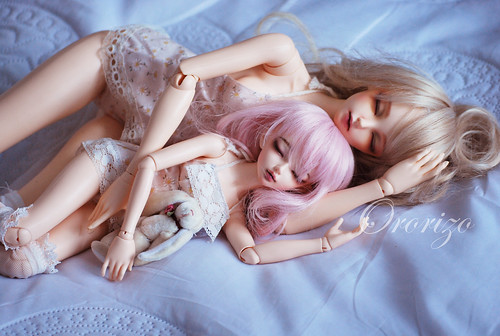 Sleeping Beauty with her sister ♥