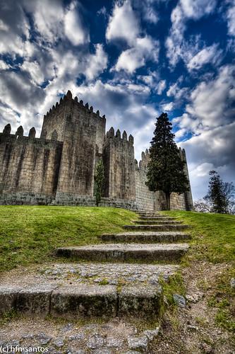 castle portugal castelo guimarães portugalmagico