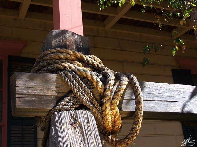 rope-post