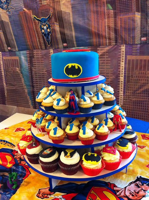 Cake Decorating Superhero Cupcakes