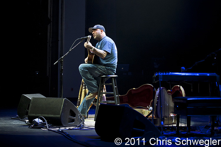 Photos Of Aaron Lewis From March 3rd 2011 At The Sound