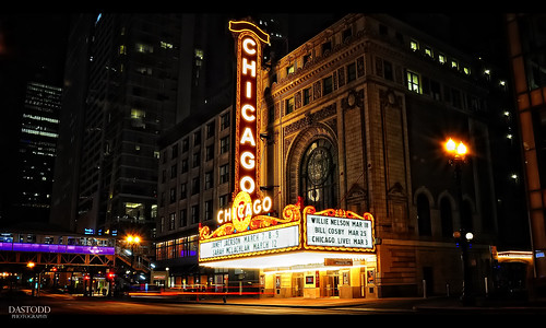 longexposure chicago night theater loop lighttrails