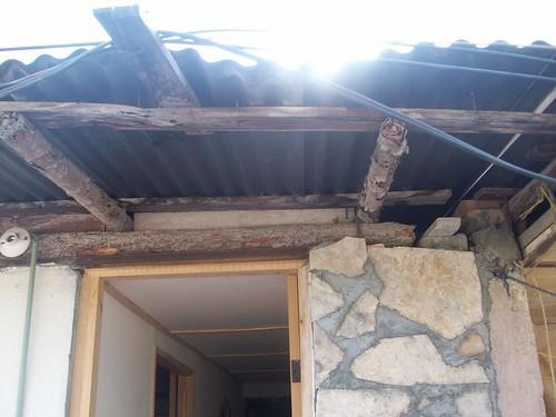Apa ando techo de cubierta aprende con sergio for Casa elegante en mal estado