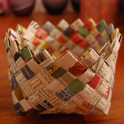 How To Weave A Hazel Basket : Recycling ideas weaving basket with newspaper make