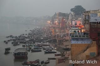 Varanasi - View onto the Ghats