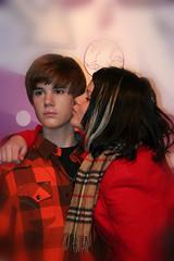Jusin Bieber gets a kiss