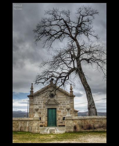 A velha capela  --  The old chapel