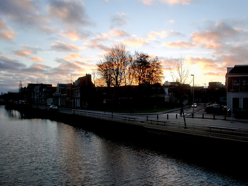 sunrise canal leeuwarden zuidergrachtswal oranjewijk