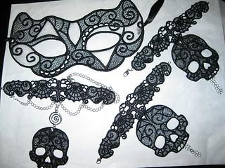 Skull fingerless gloves mask and choker necklace
