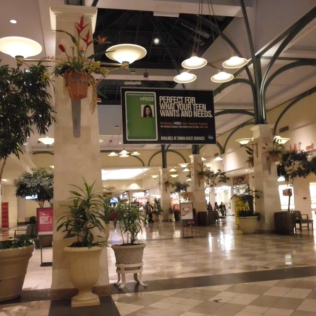 Castleton Square is the largest mall in the state of Indiana, serving the northern Indianapolis metro area, which includes the affluent communities of Carmel, Fishers, and Noblesville. This indoor climate controlled mall boasts four major department stores, a food court, play area, and specialty shops ranging from jewelry to women's fashions to sporting goods.