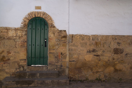 door wood old brick green stairs colombia closed arch colonial entrance step villadeleyva boyaca