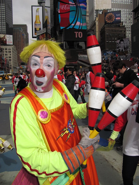 Ringling Brothers Flash Mob Juggling Times Square NYC