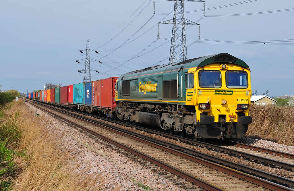 66501 trundells down towards Hoo Junction with the 4O88 liner on 2-4-11 Copyright Ian Cuthbertson