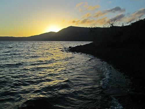 lake sunrise dawn volcano morninglight earlymorning caterina crater caldera craterlake nicaragua centralamerica masaya volcan centroamerica apoyo lagunadeapoyo