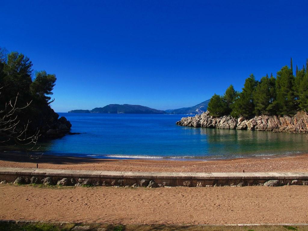 пляж королевы черногория