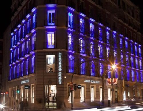 Iluminaci n exterior de fachadas con leds - Iluminacion con leds en casas ...