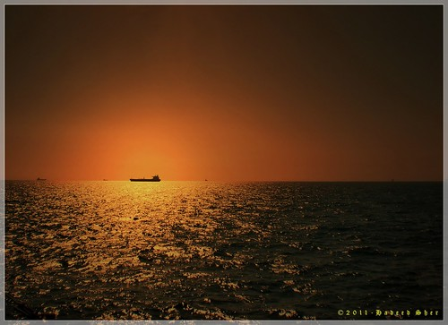 voyage pakistan sunset golden sailing ship magnitude arabiansea thegalaxy indivisible smallness infinites mygearandme mygearandmepremium hadeedsher deterministicfinite flickrstruereflection3 gettyimagesmiddleeast