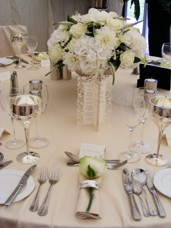 flower arrangements weddings