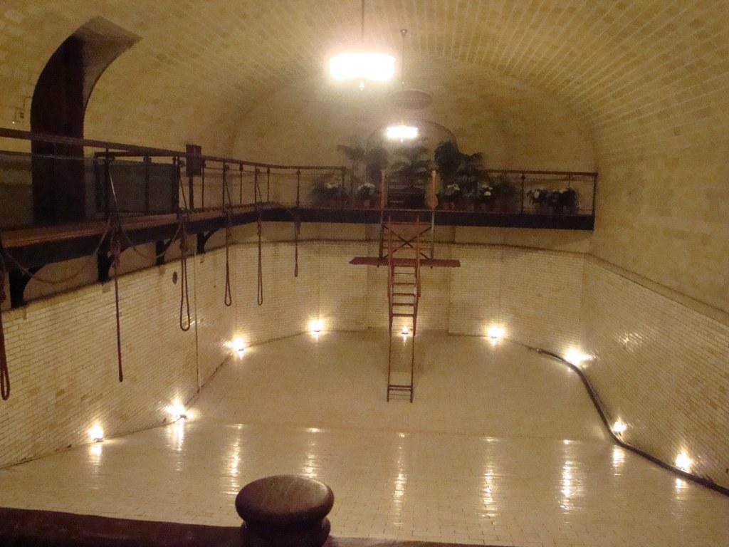 Inside Biltmore Estate-empty pool | mizzzlaura | Flickr