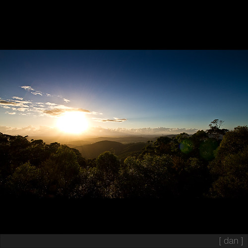 sun sunrise australia lensflare qld goldcoasthinterland canonefs1022mm seq beechmont canon7d danielglindemann