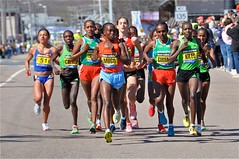 modern pentathlon(0.0), track and field athletics(0.0), 4 㗠100 metres relay(0.0), 800 metres(0.0), cross country running(0.0), physical exercise(0.0), sprint(1.0), marathon(1.0), athletics(1.0), individual sports(1.0), sports(1.0), running(1.0), recreation(1.0), outdoor recreation(1.0), half marathon(1.0), racewalking(1.0), duathlon(1.0), person(1.0), athlete(1.0),