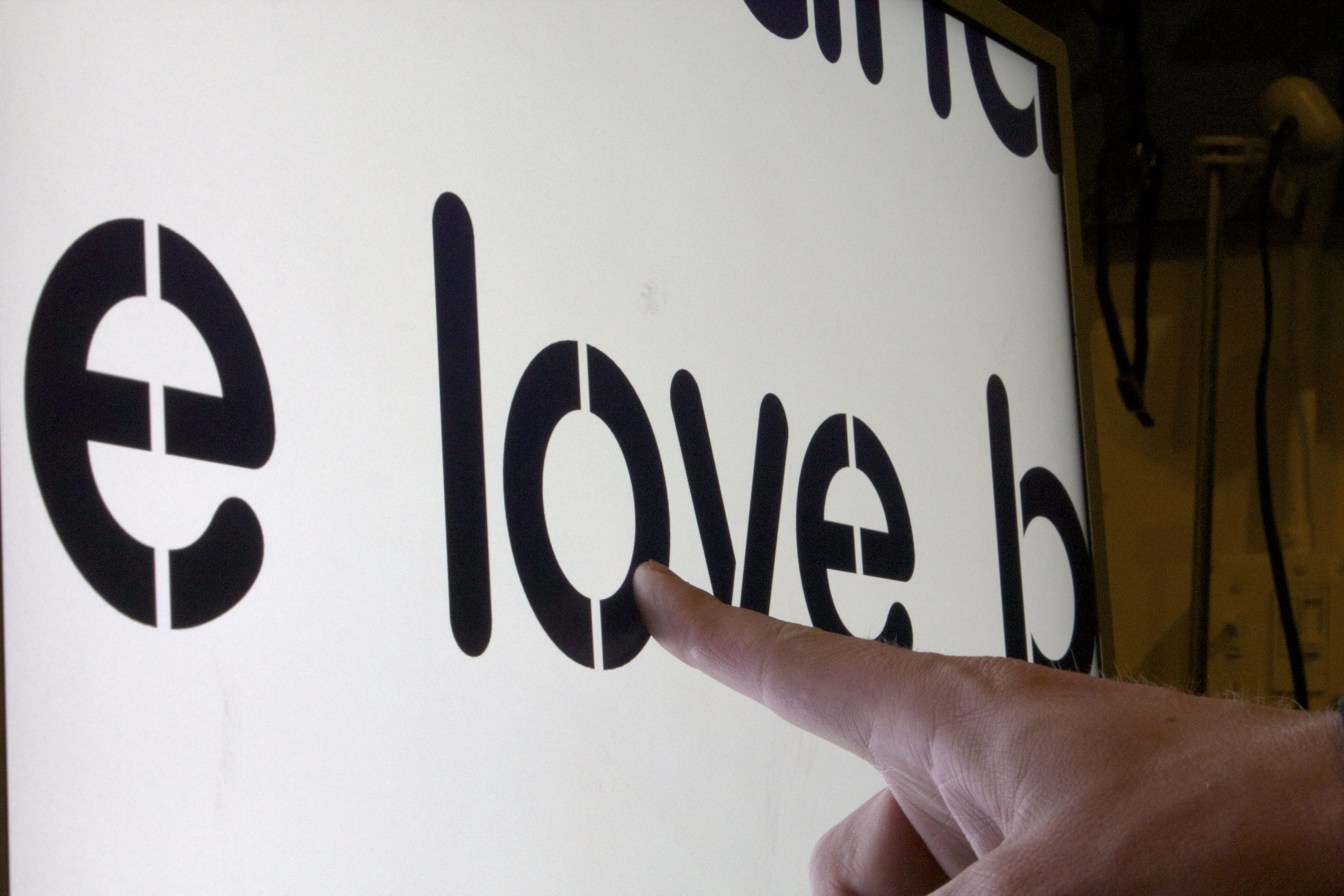 Word Wall - Testing Word Size - Pressing Love