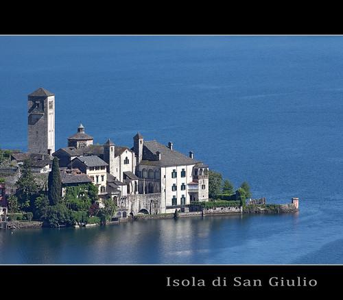 """Isola San Giulio, piemonte dal libro """"C'era due volte il barone Lamberto"""" di Gianni Rodari"""