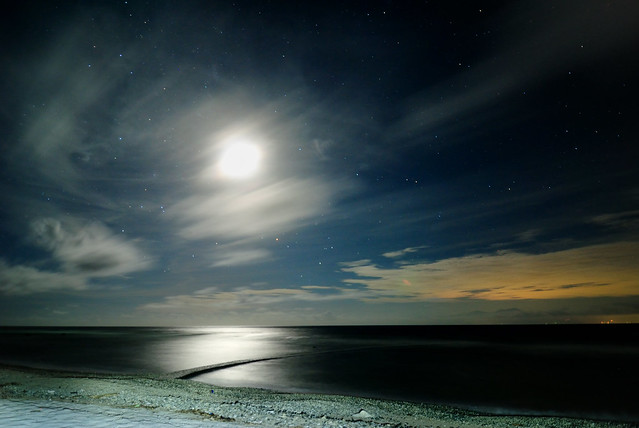 绿岛- 石朗月光海