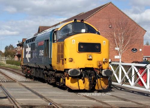 largelogo 37292 37425 eastdereham midnorfolkrailway class374 englishelectrictype3 d6992