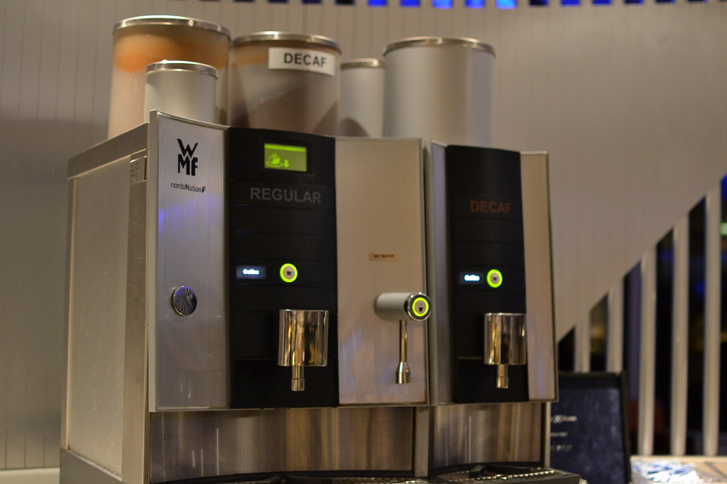 Coffee and hot water maker