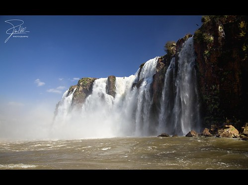 waterfall between brazil and argentina