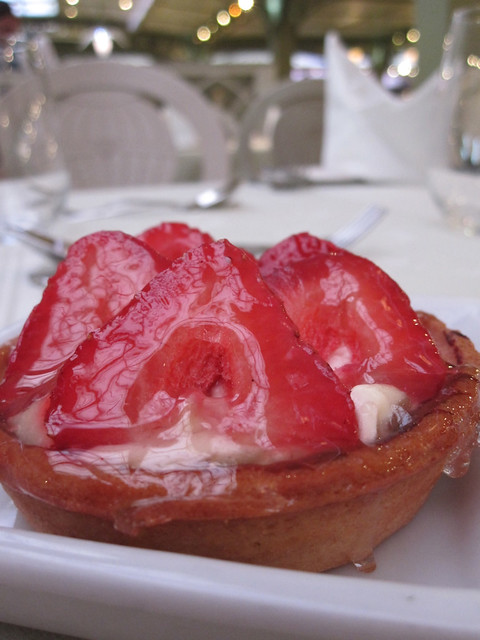 Strawberry Tart, Lunch