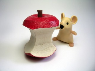 Mouse with Apple Core