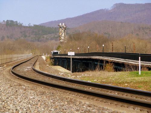 Old and New Bridgeport, AL river bridge