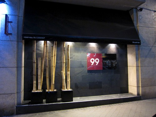 Restaurante 99 sushi bar ponzano madrid rincones for Restaurantes modernos exterior