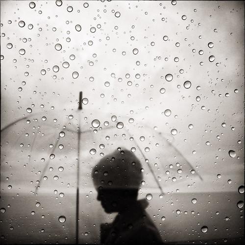 伤感下雨图片 男生伤感下雨图片 唯美意境伤感下雨大图