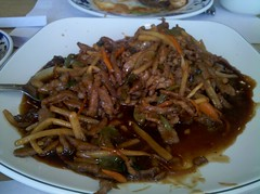meal, fried noodles, beef chow fun, thai food, hokkien mee, char kway teow, produce, food, dish, cuisine, chinese food,