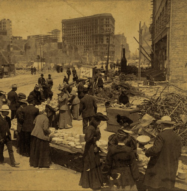 (animated stereo) San Francisco market after the quake, 1906