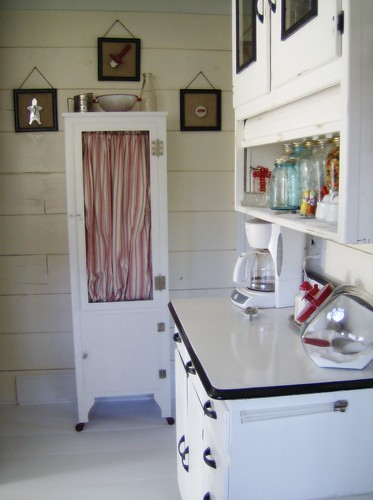 Vintage Cottage Kitchen Painted Floors