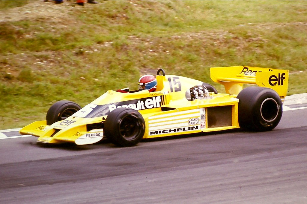 jean pierre jabouille equipe renault elf renault rs01 rounds druids bend during the 1978. Black Bedroom Furniture Sets. Home Design Ideas
