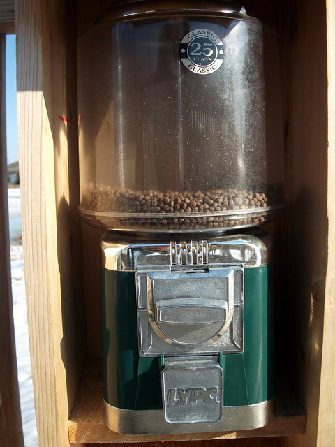 Lypc fish food vending machine hamus park marshfield wi for Fish food dispenser