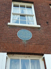 Photo of Charles Dickens blue plaque