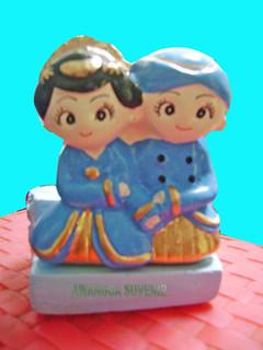 souvenir gypsum asbak pengantin jawa depan