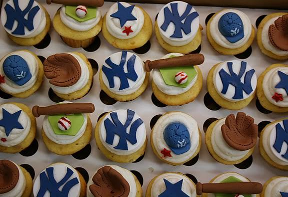 New York Yankee Cupcakes Flickr - Photo Sharing!