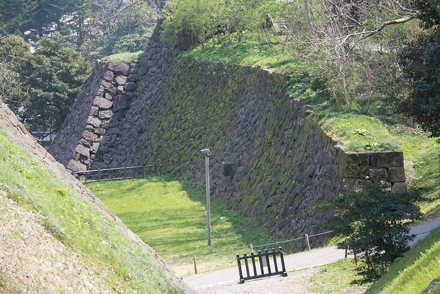 金沢城公園の春