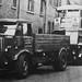 London transport  457P AEC Matador 6 Ton towing lorry