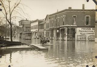 West Third Street, Dayton, OH - 1913 Flood