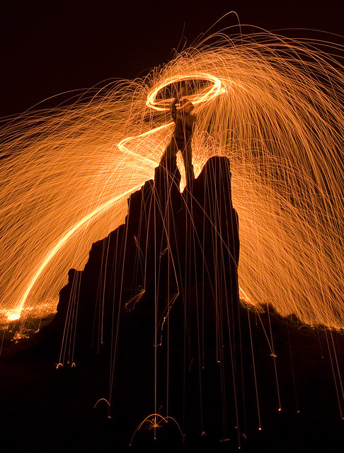 5614347426 2172e109ee z Awesome Long Exposures Using Steel Wool